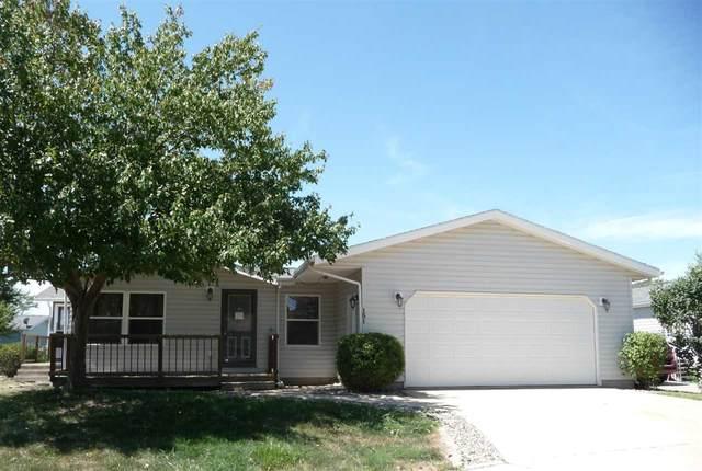 151 Polopony  Ct, Iowa City, IA 52240 (MLS #202005113) :: Lepic Elite Home Team