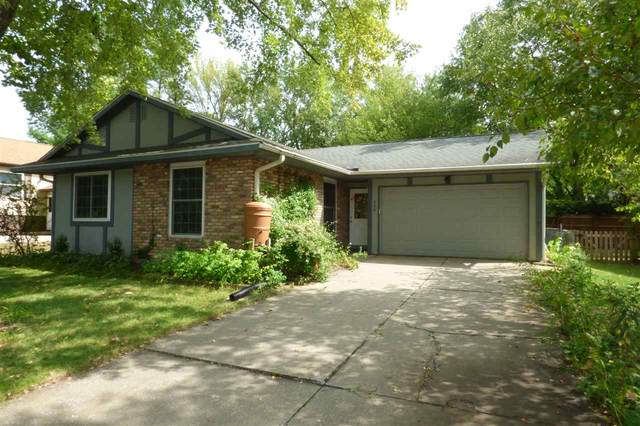 208 Amhurst St, Iowa City, IA 52245 (MLS #202005573) :: Lepic Elite Home Team