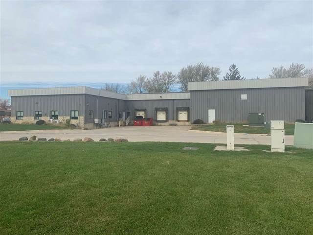 1199 44th St, Marion, IA 52302 (MLS #202006414) :: Lepic Elite Home Team
