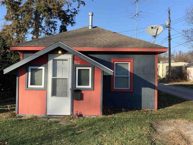910 Highland Ave, Iowa City, IA 52240 (MLS #202006599) :: Lepic Elite Home Team