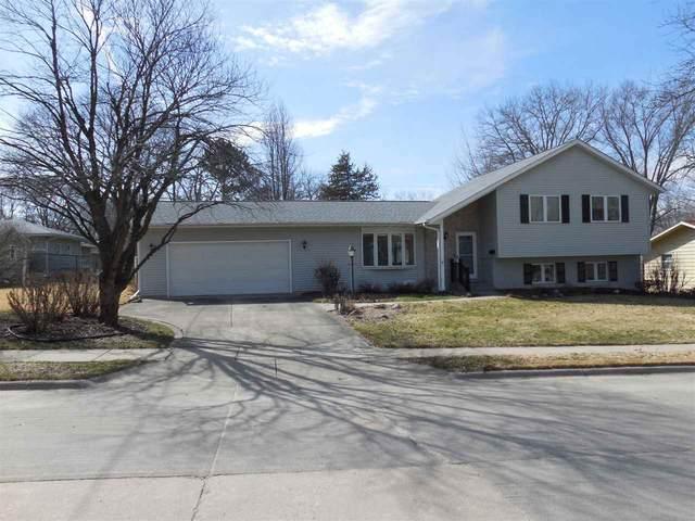 1409 Buresh Ave, Iowa City, IA 52245 (MLS #202101698) :: Lepic Elite Home Team