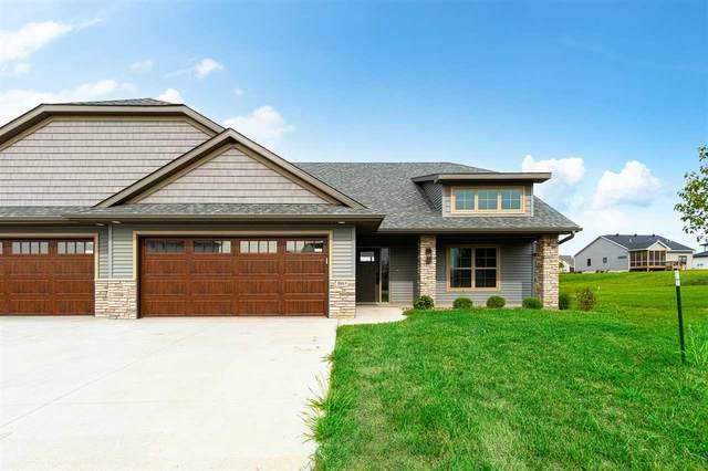 1083 Dubs Dr, Iowa City, IA 52246 (MLS #202102045) :: Lepic Elite Home Team