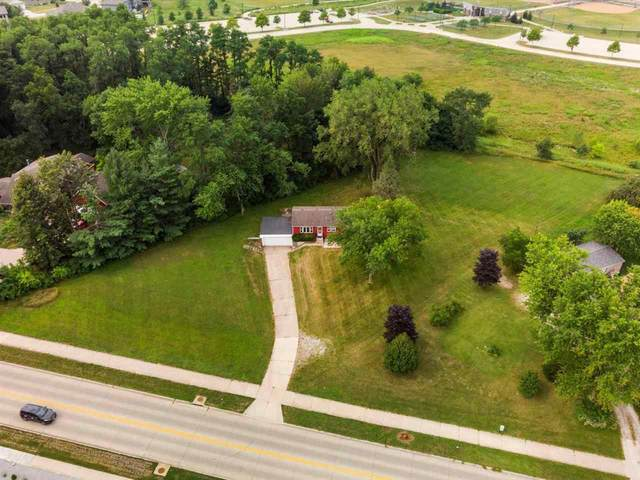 3190 12th Ave, Coralville, IA 52241 (MLS #202104607) :: The Johnson Team