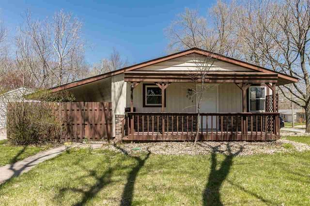 824 Caroline Ave, Iowa City, IA 52245 (MLS #202001295) :: Lepic Elite Home Team