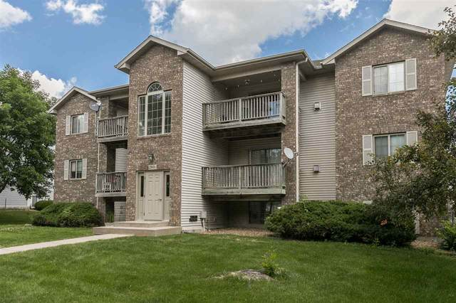 2864 Coral Ct #304, Coralville, IA 52241 (MLS #202004023) :: The Johnson Team