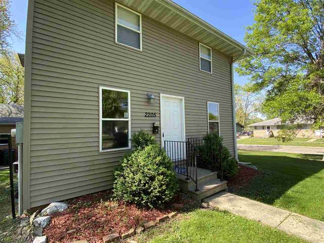 2205 J St, Iowa City, IA 52240 (MLS #202102761) :: The Johnson Team