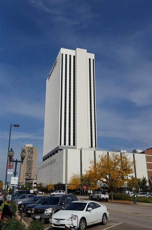 200 1st Street Se Floor 19, Cedar Rapids, IA 52401 (MLS #202001966) :: The Johnson Team