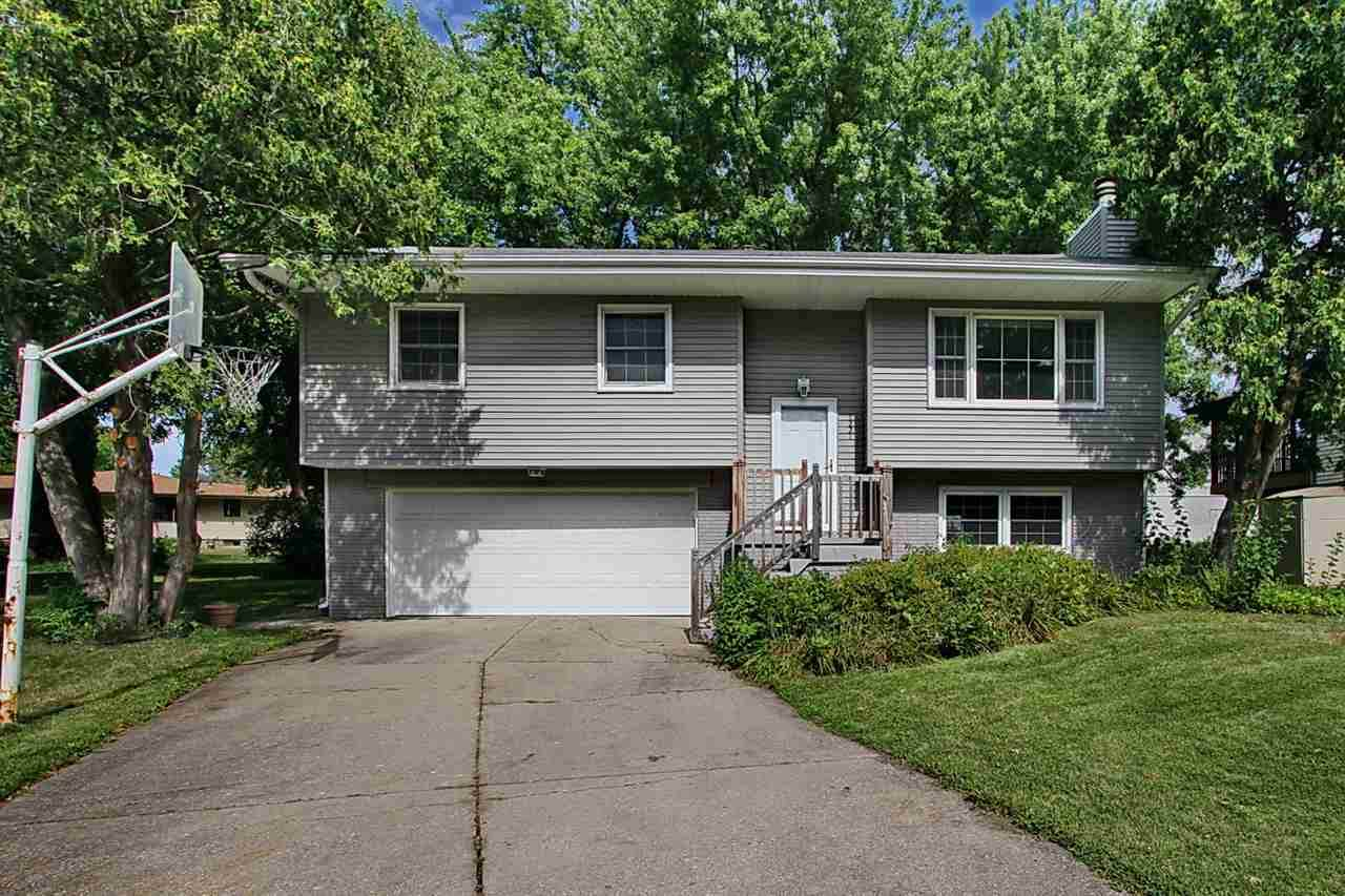 1221 Guildford Ct. - Photo 1