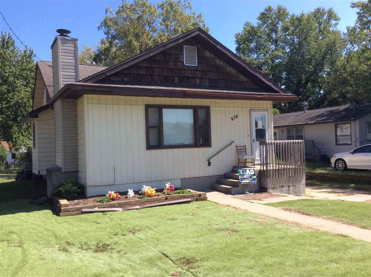 938 Miller Ave - Photo 1