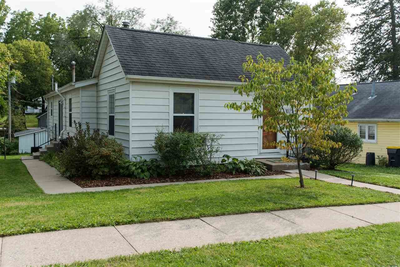 1027 Ginter Ave - Photo 1
