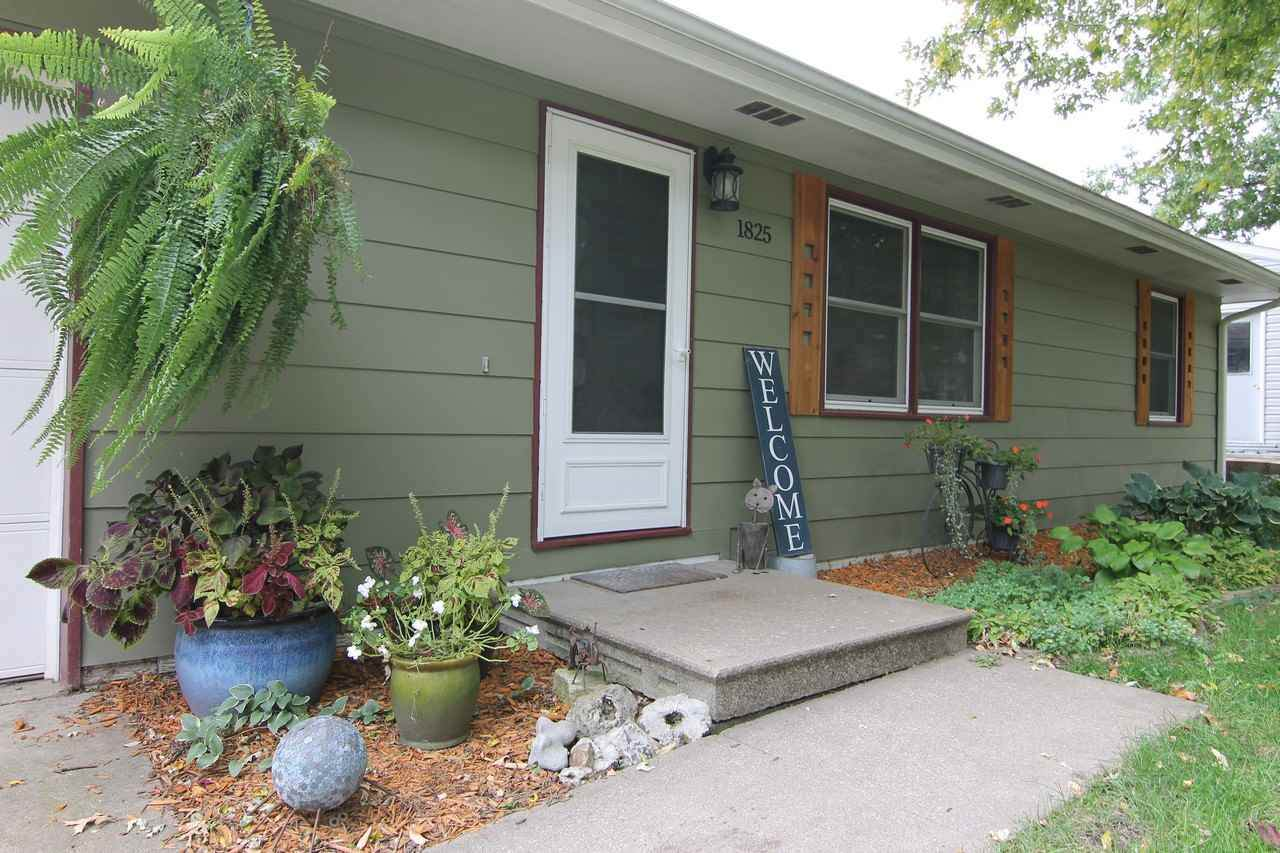 1825 Gleason Ave - Photo 1