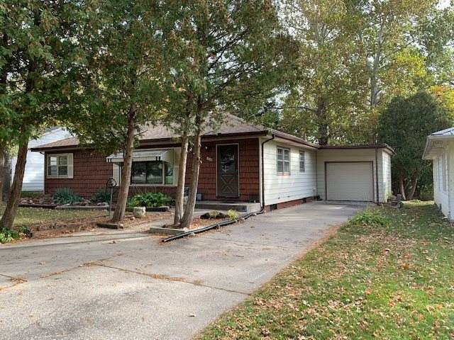 513 5th Ave, Coralville, IA 52241 (MLS #202006229) :: Lepic Elite Home Team