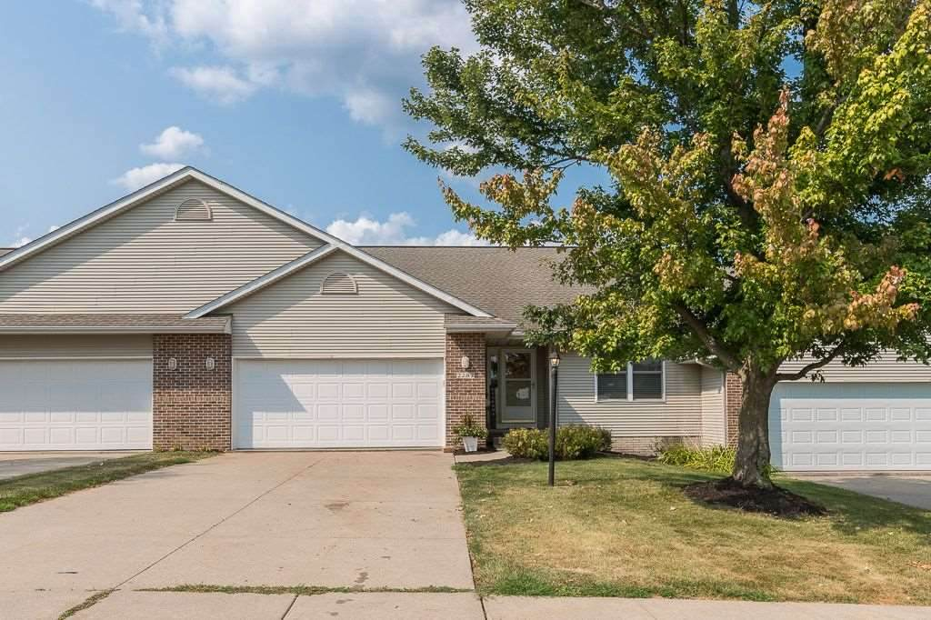 2287 Grantview Dr - Photo 1