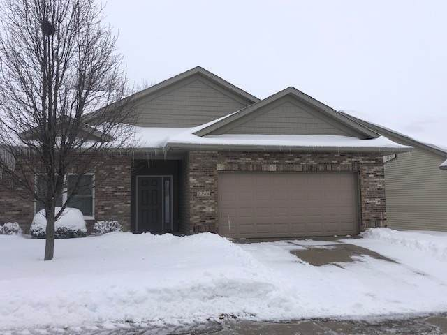 2266 Jessica Lane, Coralville, IA 52241 (MLS #202100827) :: Lepic Elite Home Team