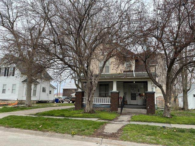 614 E 2nd, Washington, IA 52353 (MLS #202102011) :: Lepic Elite Home Team