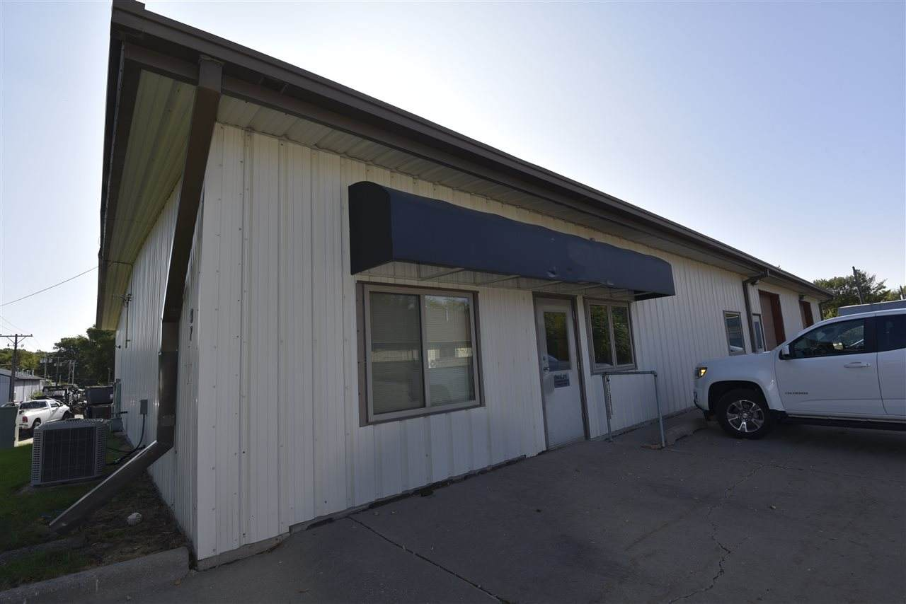 97 Commercial Dr - Photo 1