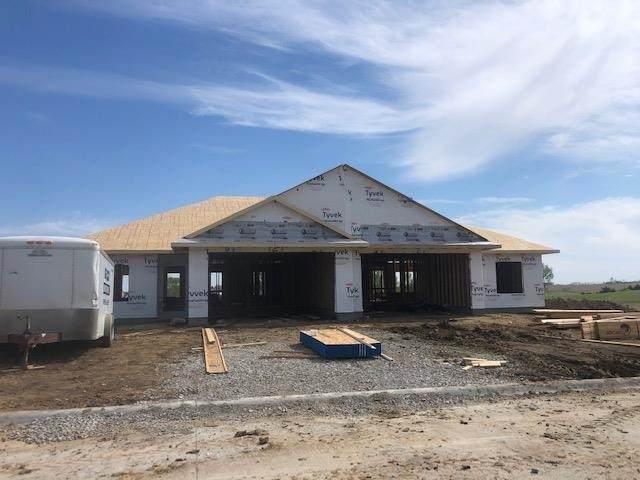 912 Prairie View Dr, West Branch, IA 52358 (MLS #202103386) :: The Johnson Team