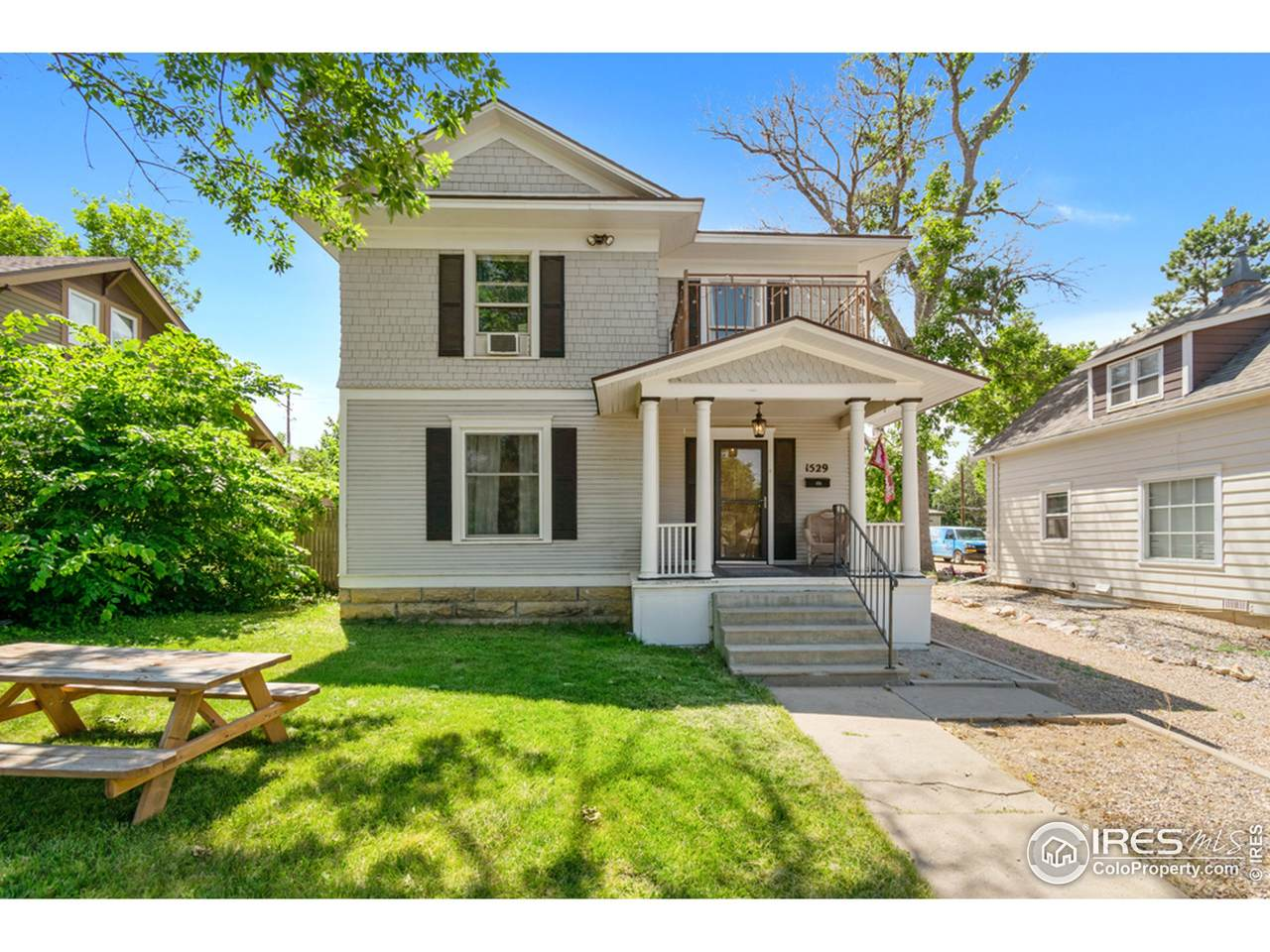 1529 10th Ave - Photo 1