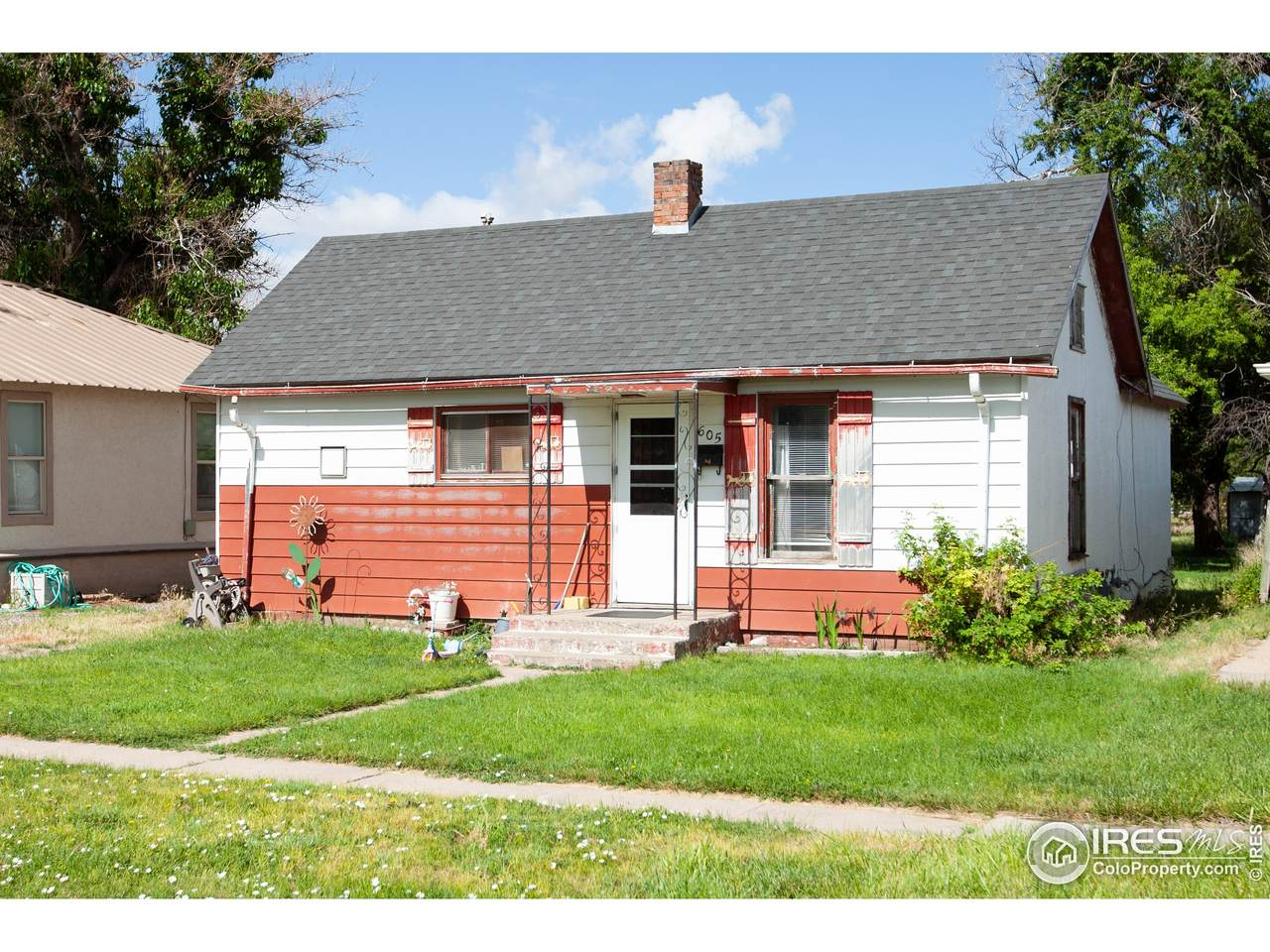 605 4th Ave - Photo 1