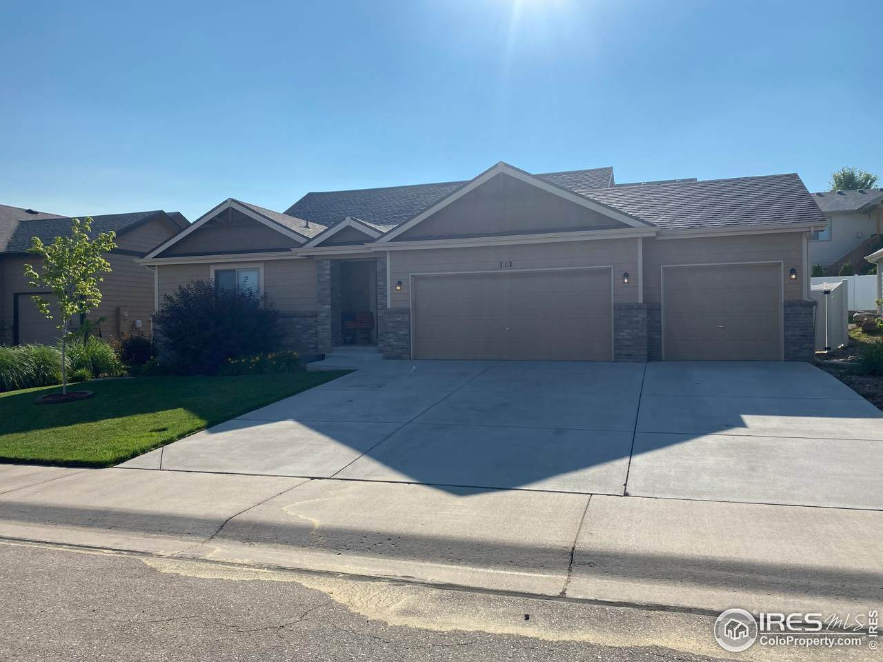 712 61st Ave Ct - Photo 1
