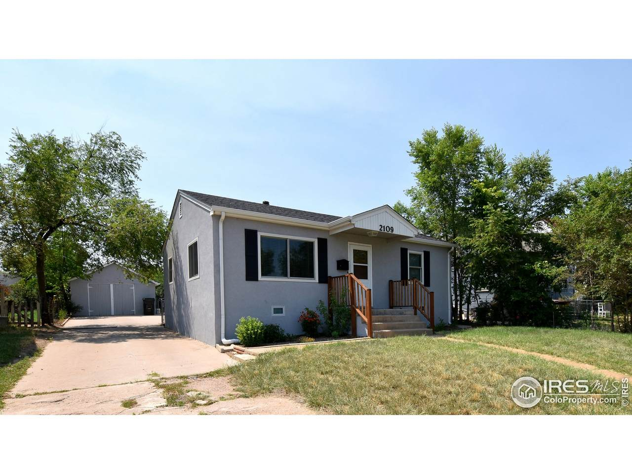 2109 5th Ave - Photo 1