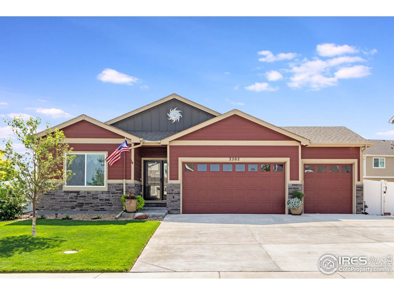 2202 74th Ave Ct - Photo 1