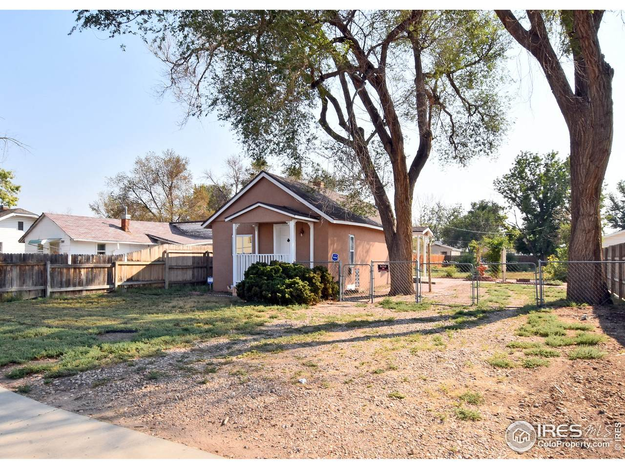 1522 4th Ave - Photo 1