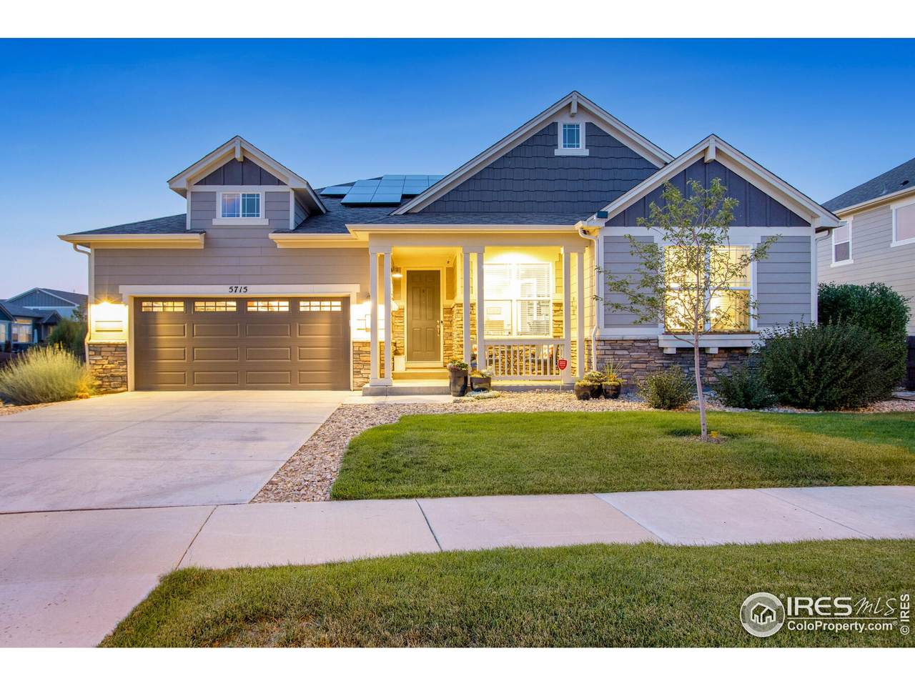 5715 Crossview Dr - Photo 1