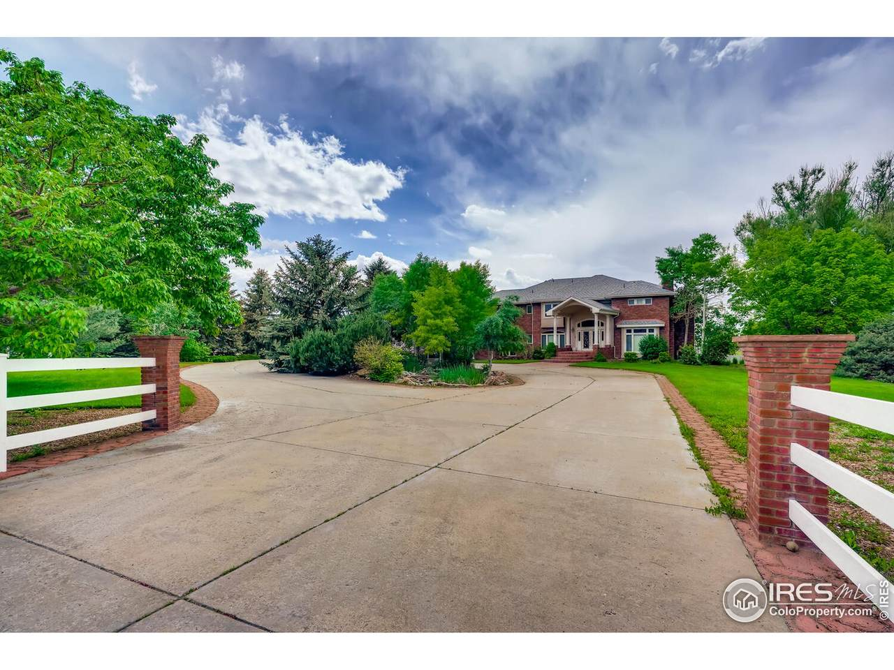 7803 Windsong Rd - Photo 1