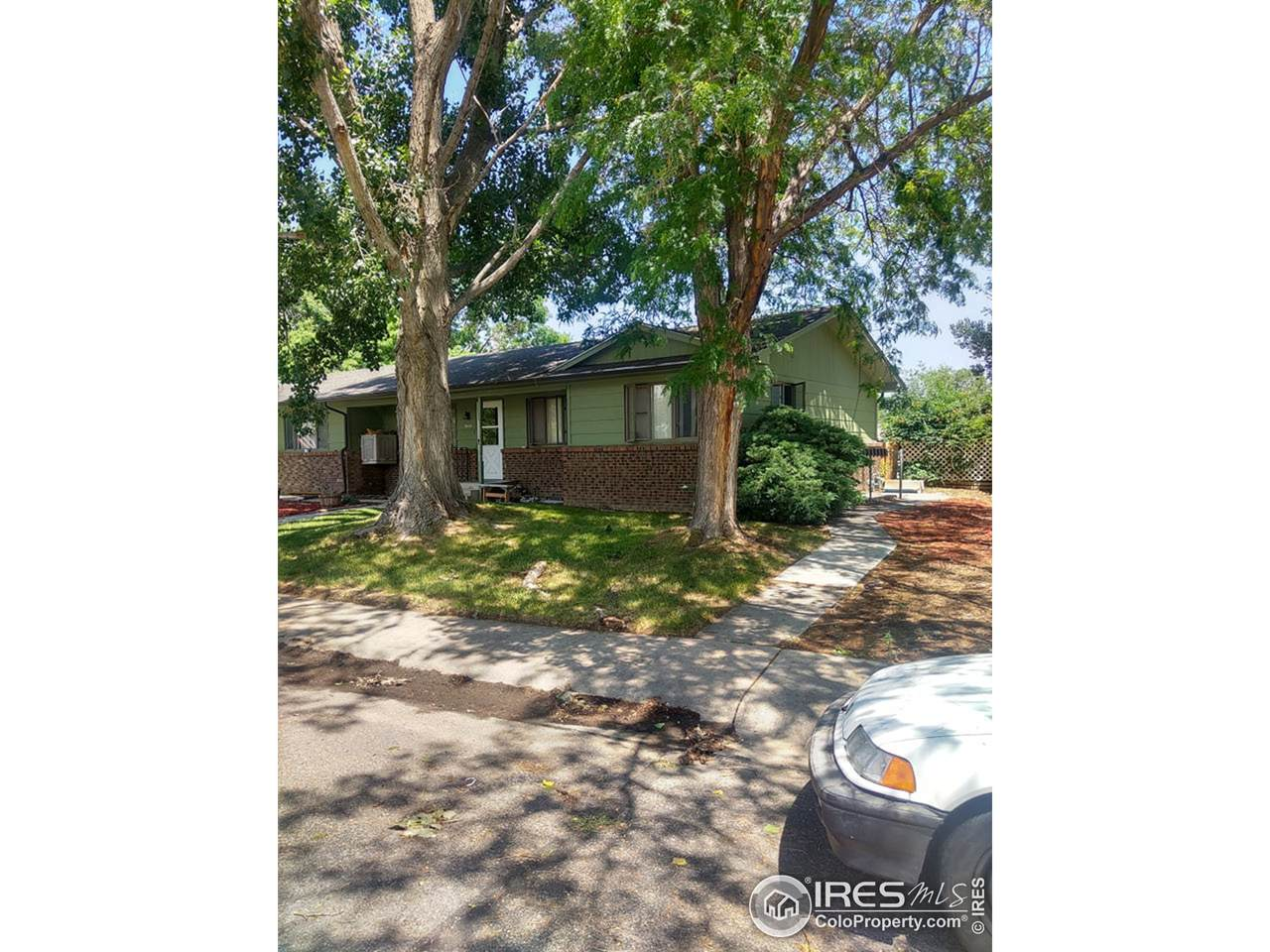 3412 34th Ave - Photo 1