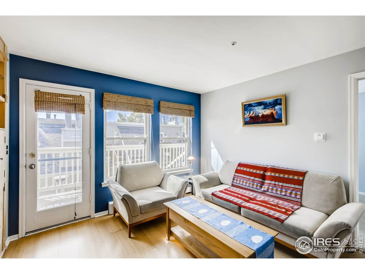 3025 Broadway St - Photo 1