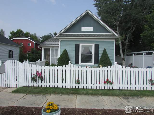 211 Harrison Ave, Loveland, CO 80537 (#948132) :: The Griffith Home Team