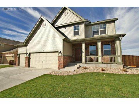 1514 Harpendon Ct, Windsor, CO 80550 (MLS #684842) :: Kittle Real Estate