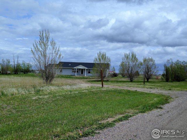 5267 County Road G, Wiggins, CO 80654 (MLS #821498) :: 8z Real Estate