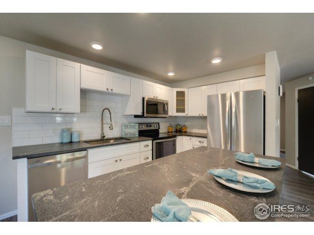 2125 Meadow Ct, Longmont, CO 80501 (MLS #827601) :: 8z Real Estate