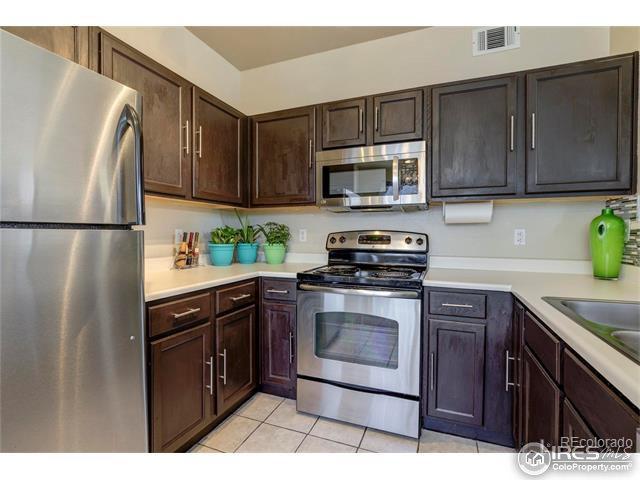8500 E Jefferson Ave H, Denver, CO 80237 (MLS #829528) :: 8z Real Estate