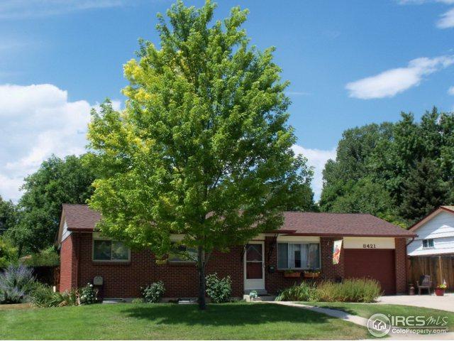 8421 Benton St, Arvada, CO 80003 (#837039) :: The Griffith Home Team