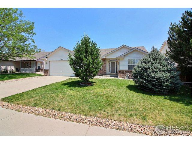1867 Chesapeake Cir, Johnstown, CO 80534 (MLS #856447) :: The Daniels Group at Remax Alliance