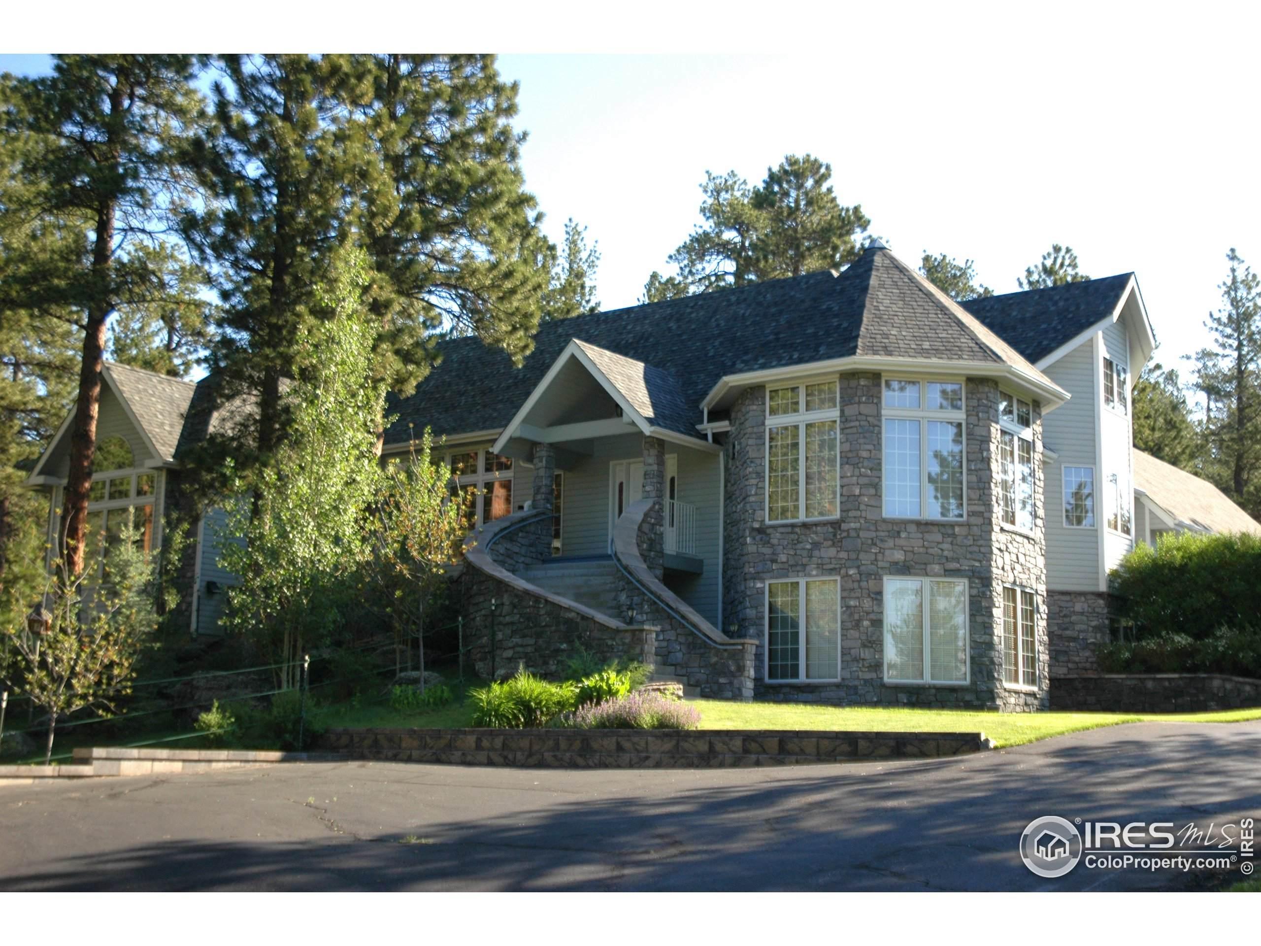 2704 Mallow Pl, Loveland, CO 80537 (MLS #856996) :: Kittle Real Estate