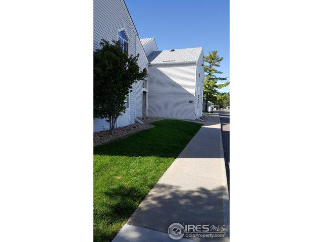 3305 S Monaco Pkwy B, Denver, CO 80222 (MLS #864092) :: The Daniels Group at Remax Alliance
