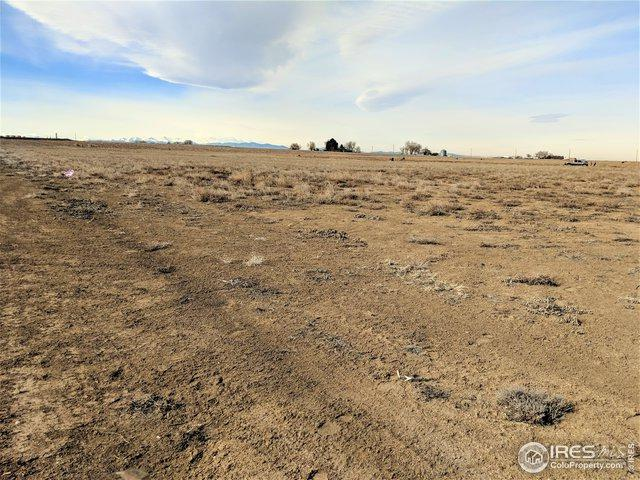 9400 Meadow Farms Dr, Milliken, CO 80543 (MLS #873094) :: The Lamperes Team
