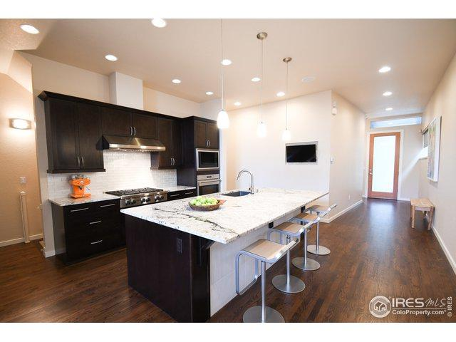 957 Neon Forest Cir, Longmont, CO 80504 (MLS #874130) :: 8z Real Estate