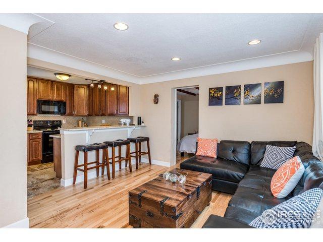 2850 Oneida St, Denver, CO 80207 (MLS #874788) :: 8z Real Estate