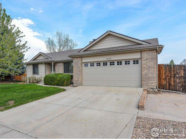 1029 Pinyon Dr, Windsor, CO 80550 (MLS #884760) :: Tracy's Team