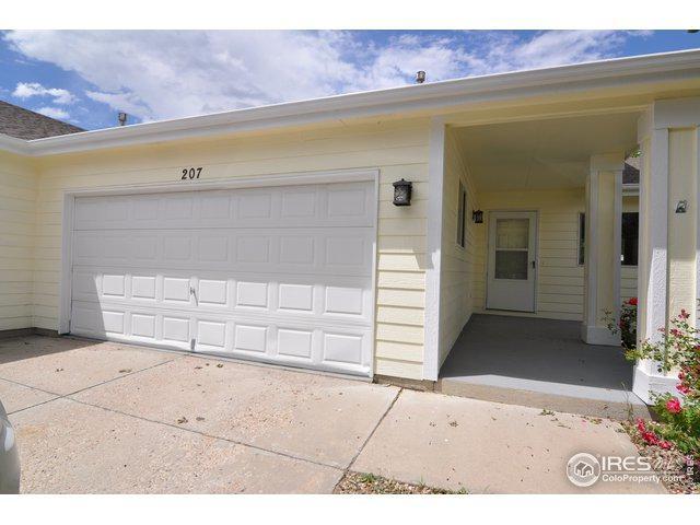 207 Acacia Dr, Loveland, CO 80538 (MLS #887824) :: 8z Real Estate