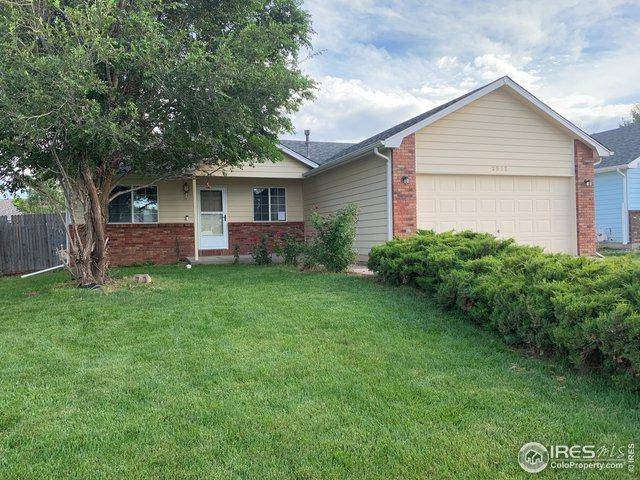 2512 Park View Dr, Evans, CO 80620 (MLS #888131) :: Kittle Real Estate