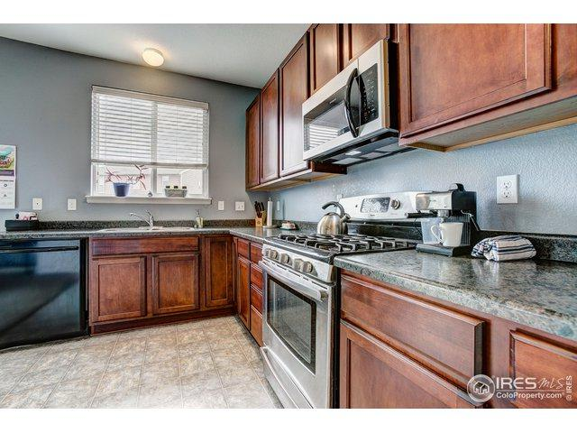 5376 Laredo St, Denver, CO 80239 (MLS #888682) :: Hub Real Estate