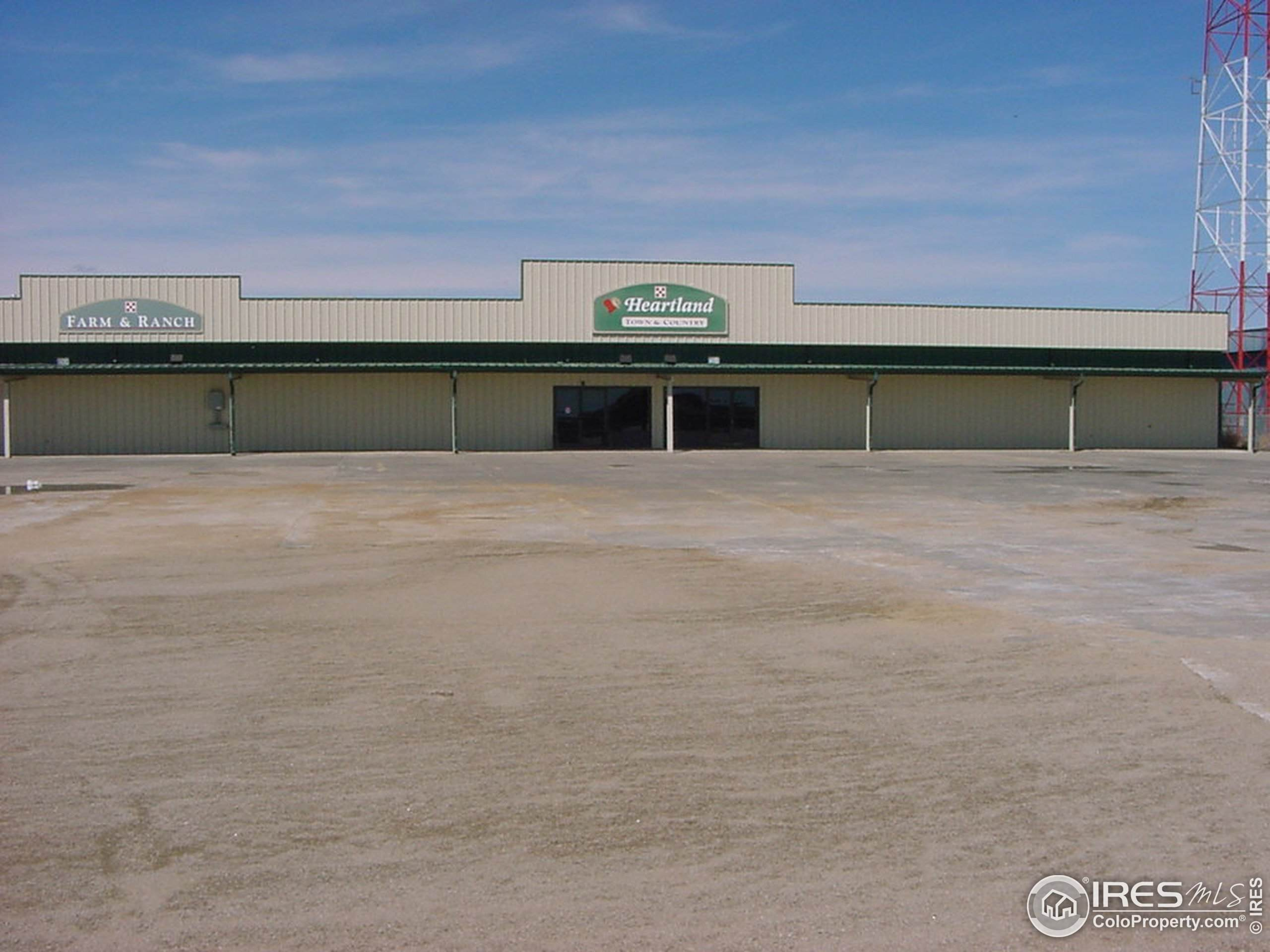 3208 Spruce Dr, Fort Collins, CO 80526 (MLS #895179) :: June's Team