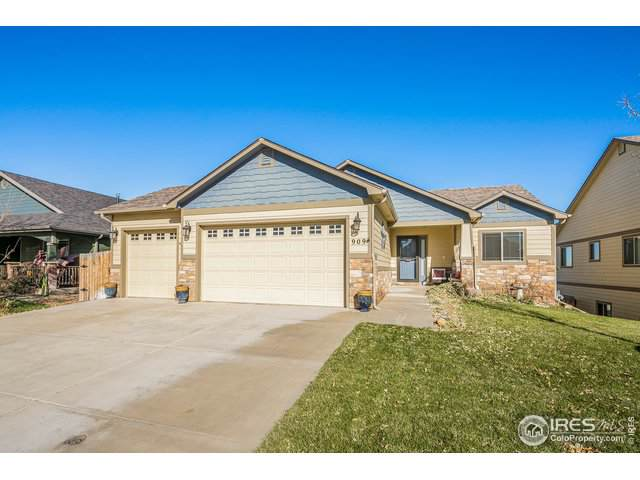 909 Dove Hill Rd, La Salle, CO 80645 (#897648) :: My Home Team