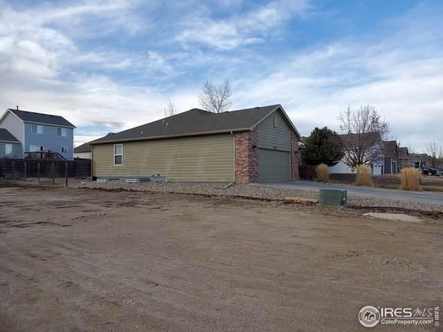 330 Buckeye Ave, Johnstown, CO 80534 (#902600) :: The Brokerage Group